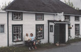 Magnone, Margaret. Mallard Cottage Antiques and Collectables 4.