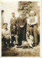 Photo of O'Brien brothers, their parents and other persons